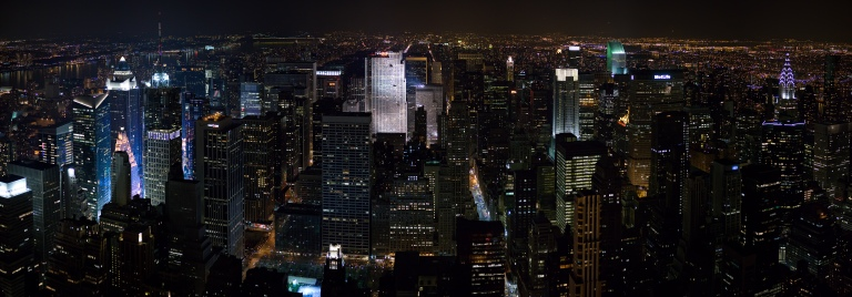 New_York_Midtown_Skyline_at_night_-_Jan_2006