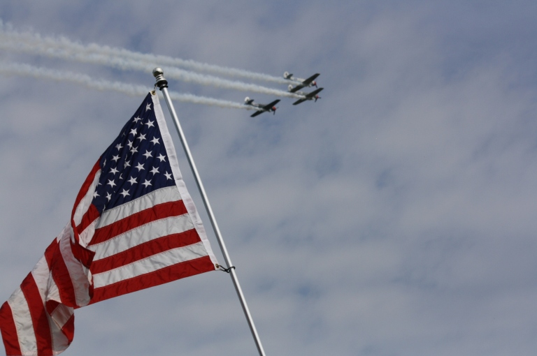 American_Flag_with_flyover_in_background_2013_Johnsonville_200_at_Road_America