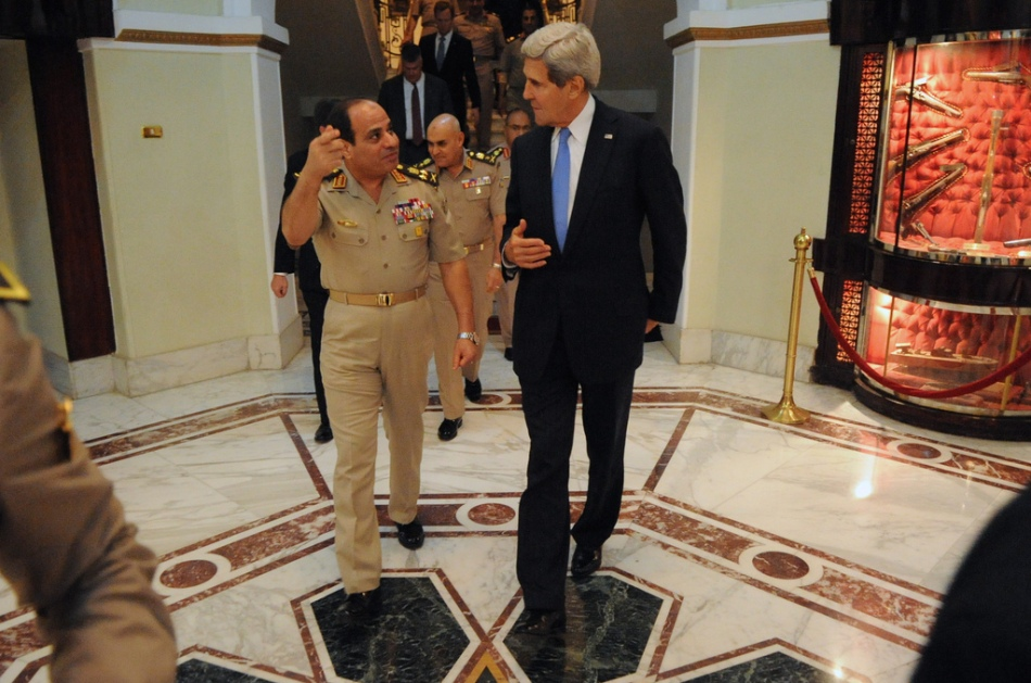 Former U.S. Secretary of State Kerry meets with el-Sisi in Cairo, November 3, 2013