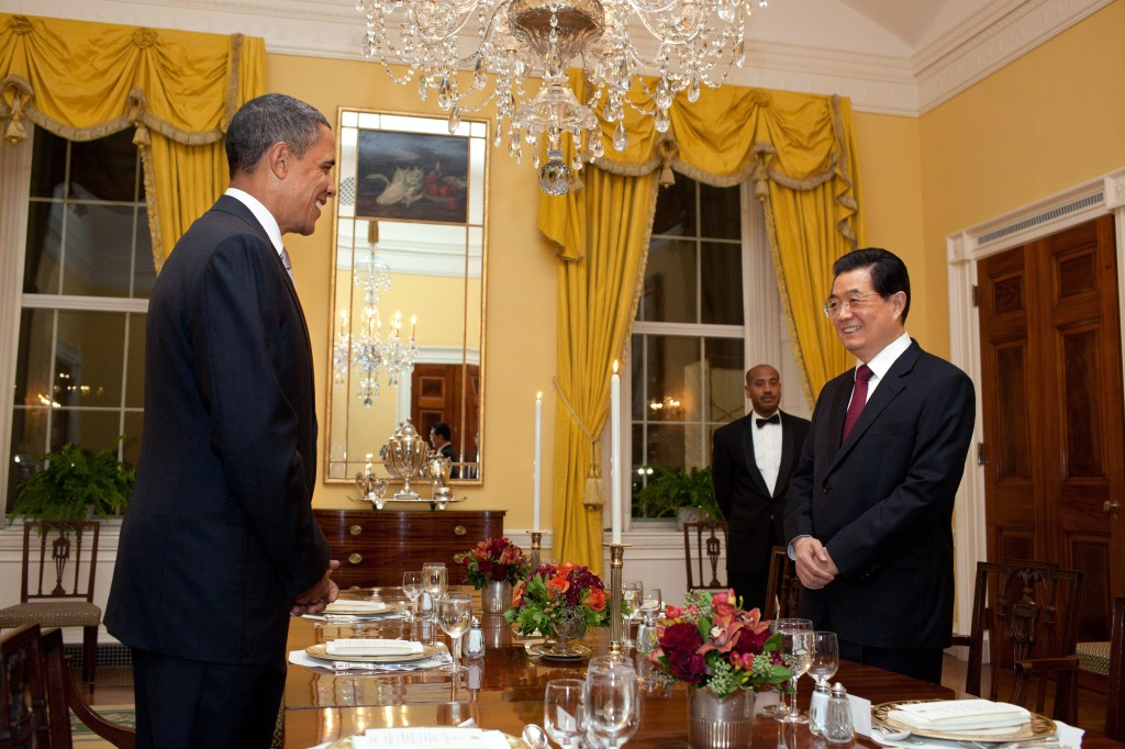 US President Barack Obama and former Chinese President Hu Jintao begin a working dinner,  Jan. 18, 2011.  (Official White House Photo by Pete Souza)