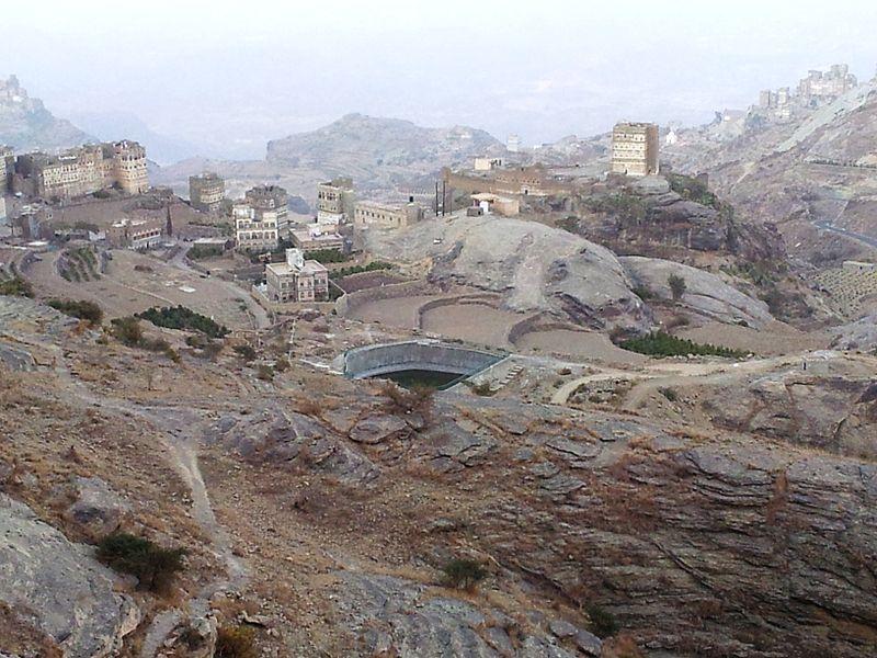 800px-water_reservoir2c_yemen