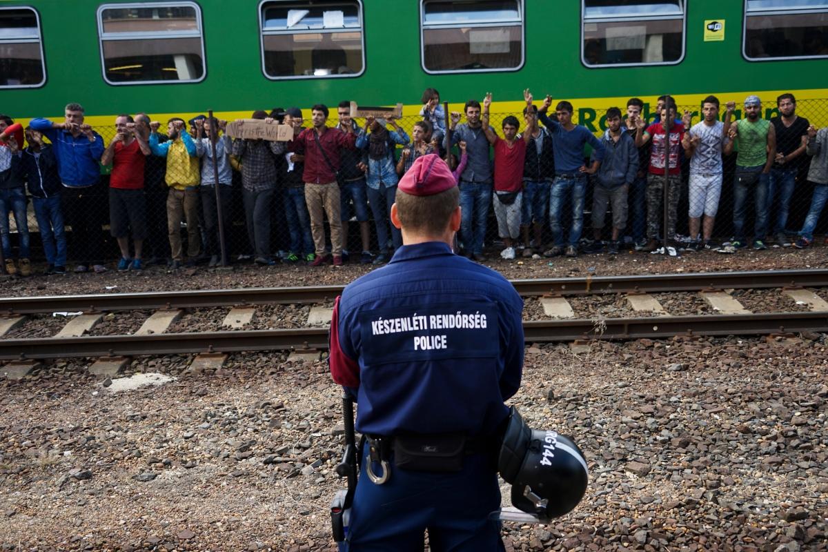 Syrian_refugees_strike_at_the_platform_of_Budapest_Keleti_railway_station._Refugee_crisis._Budapest,_Hungary,_Central_Europe,_4_September_2015._(3)